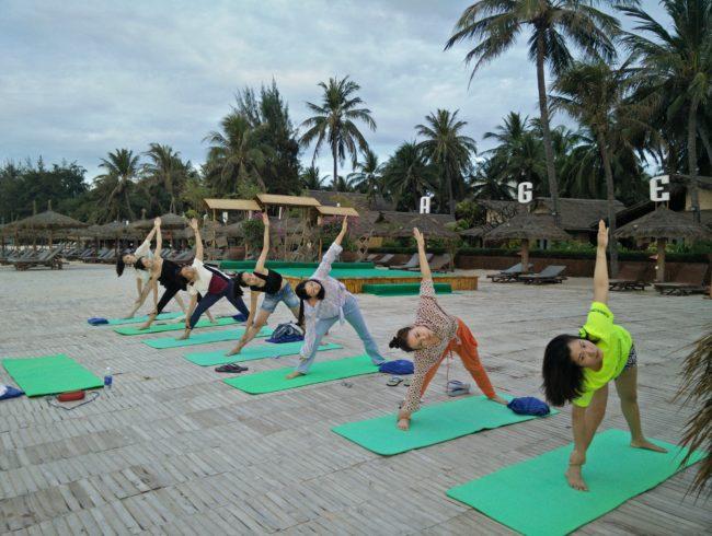 Yoga-Kompaktkurs und intuitive Massage